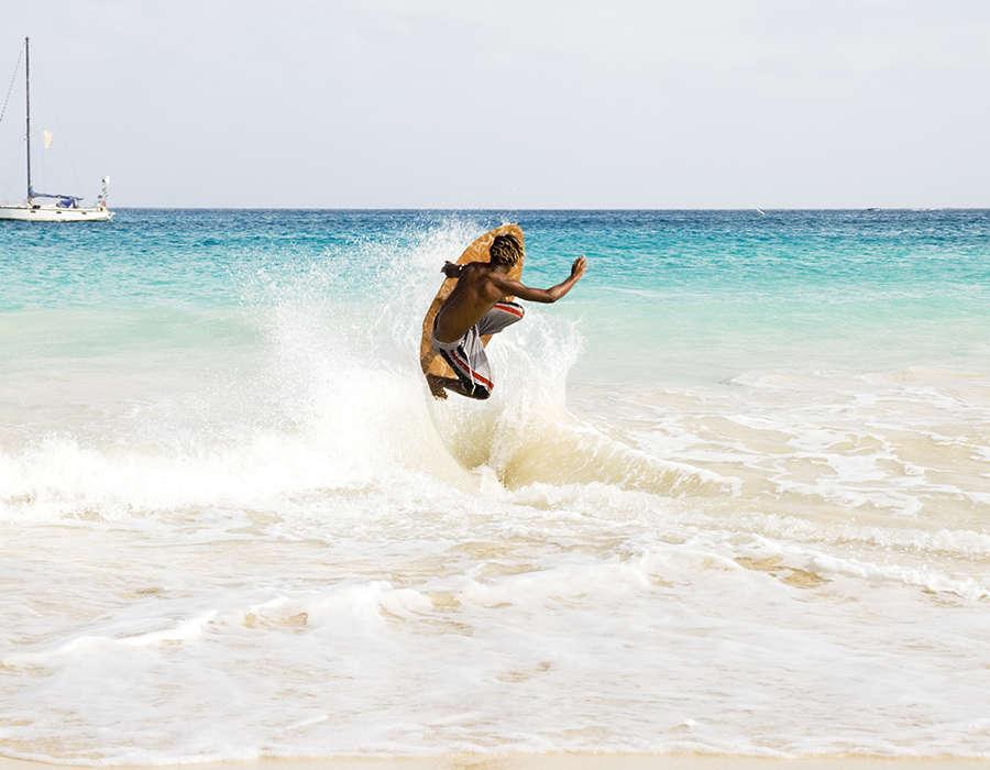 viajes a cabo verde deportes surf