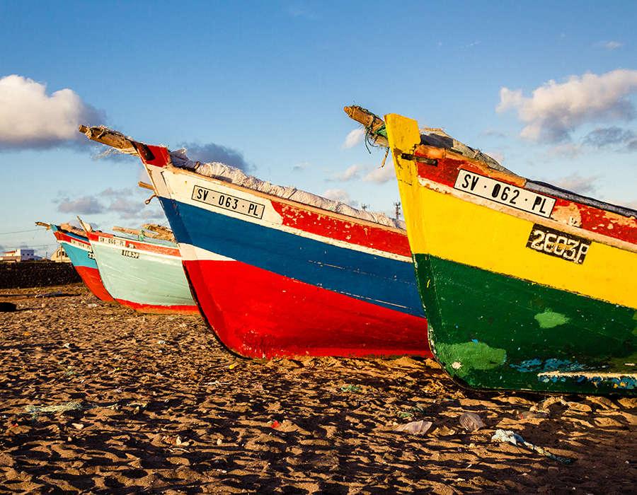 isla de santiago pesca barcas