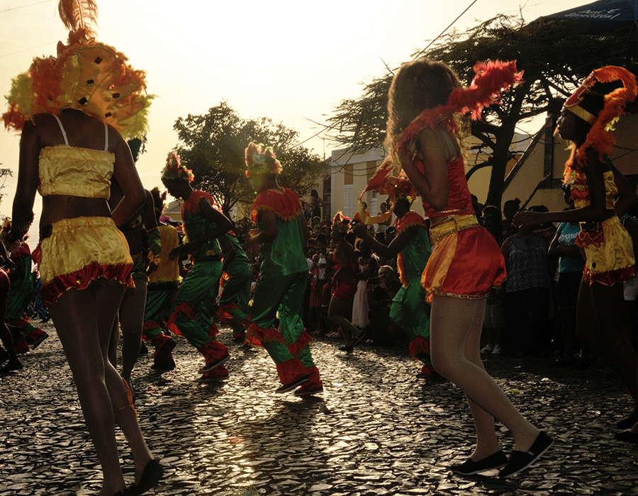 isla de sao vicente carnaval mindelo gente