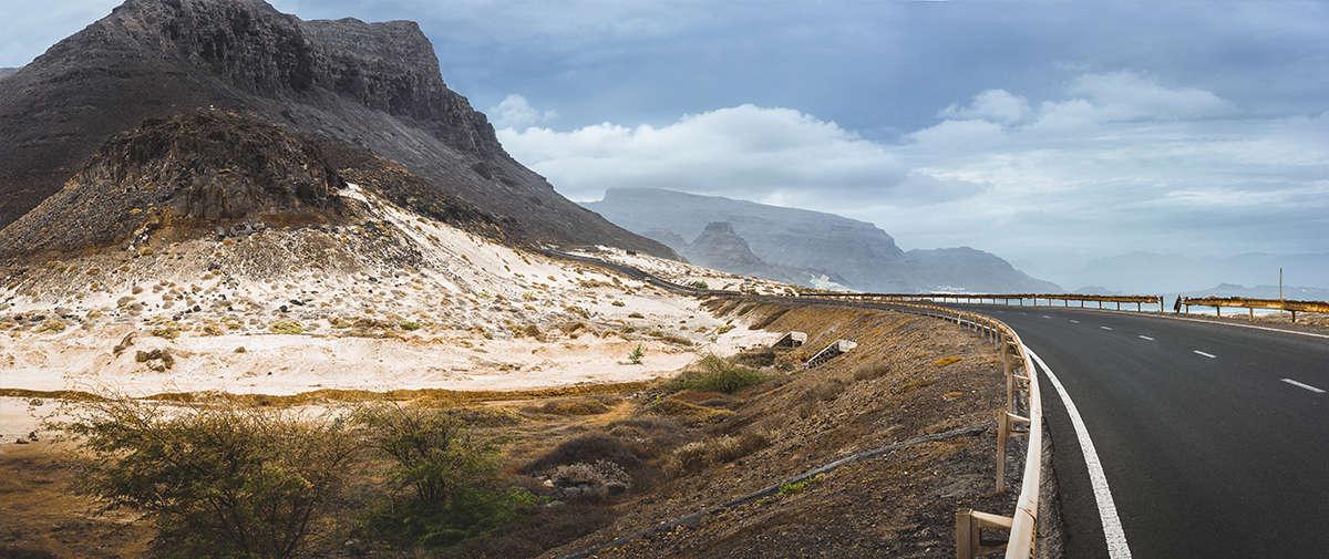 isla de sao vicente carretera en la costa