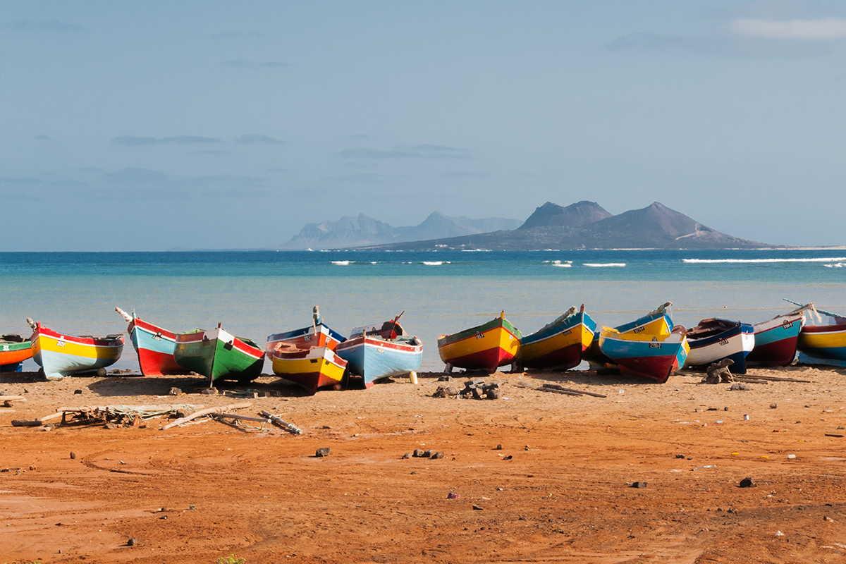islas del norte barcas en la playa