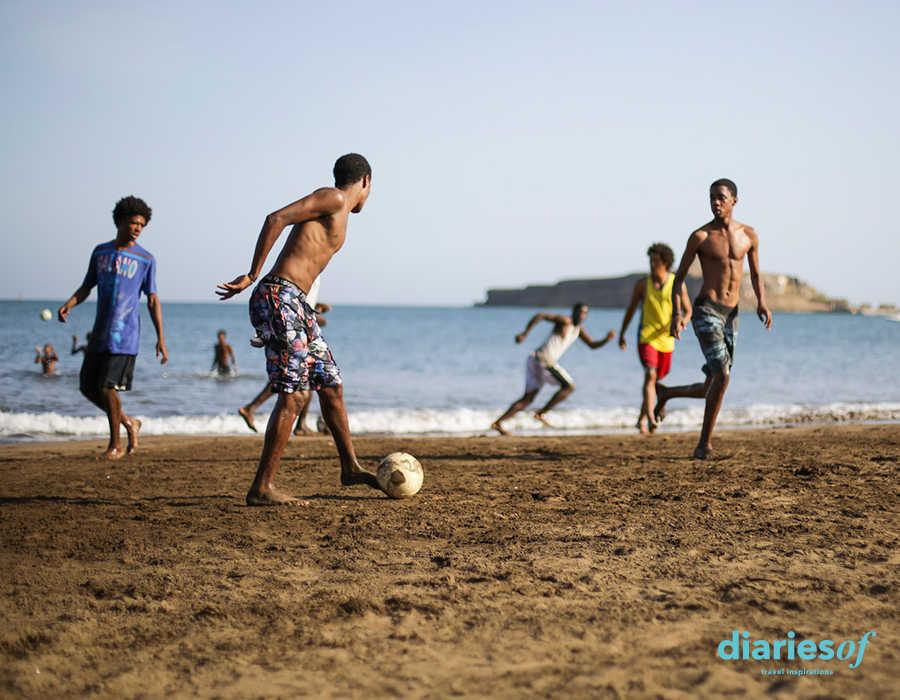 archipiélago de cabo verde a otro ritmo futbol en la playa