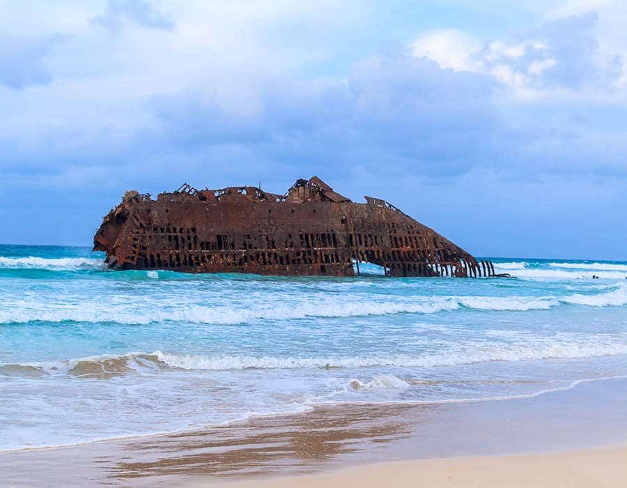 Iconos de Cabo Verde que aún puedes ver, barco español