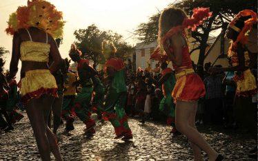 Carnaval de Cabo Verde en la ciudad de Mindelo