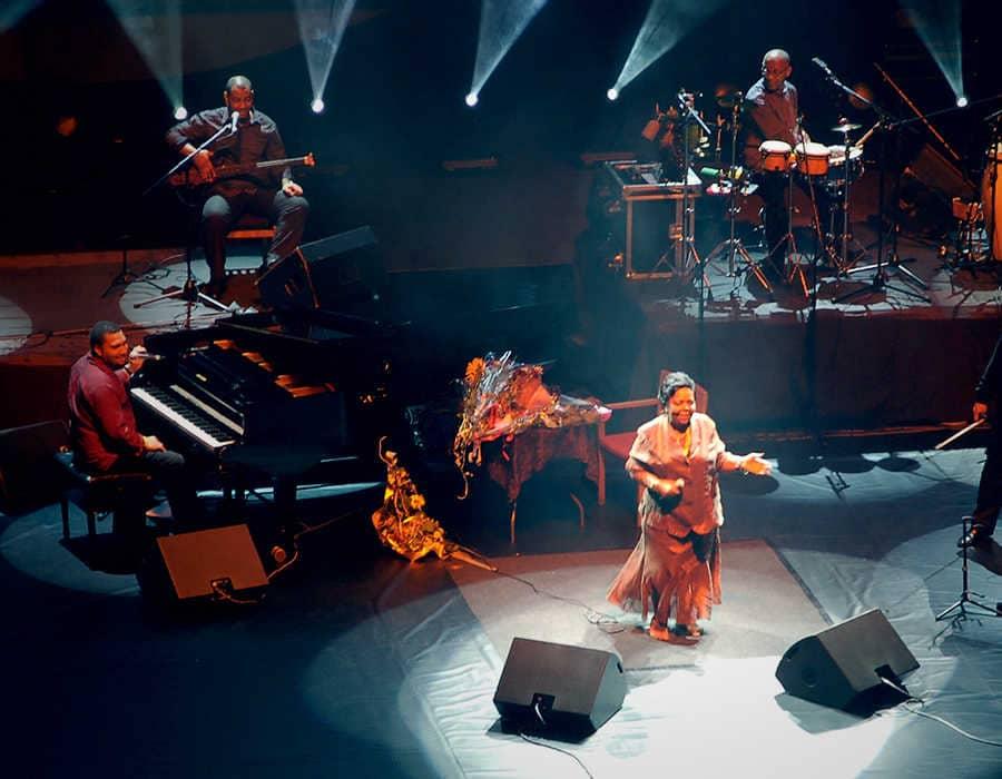 Cesária Évora Cabo Verde concierto en directo