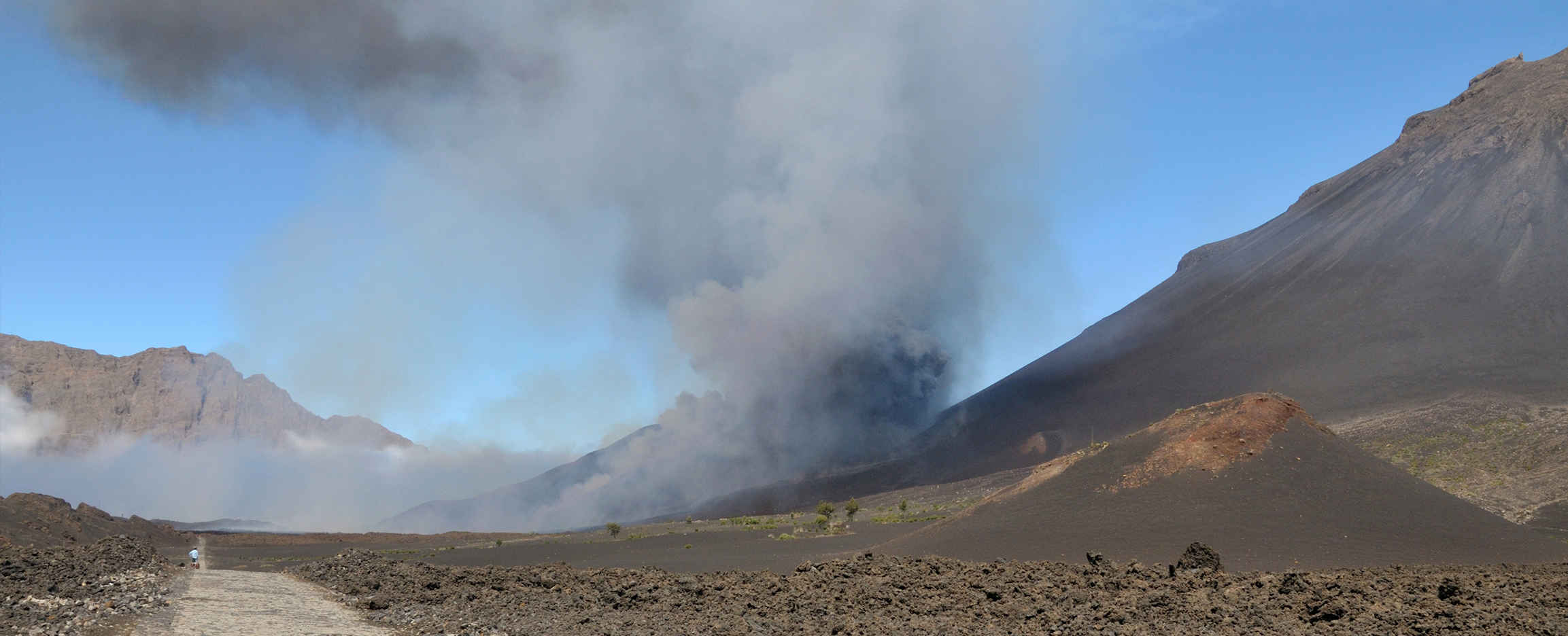 Volcanes en Cabo Verde Fogo, aun activo