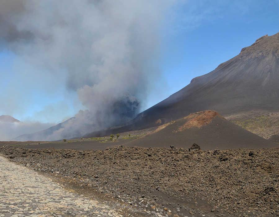 Volcanes en Cabo Verde, parque natural de Fogo