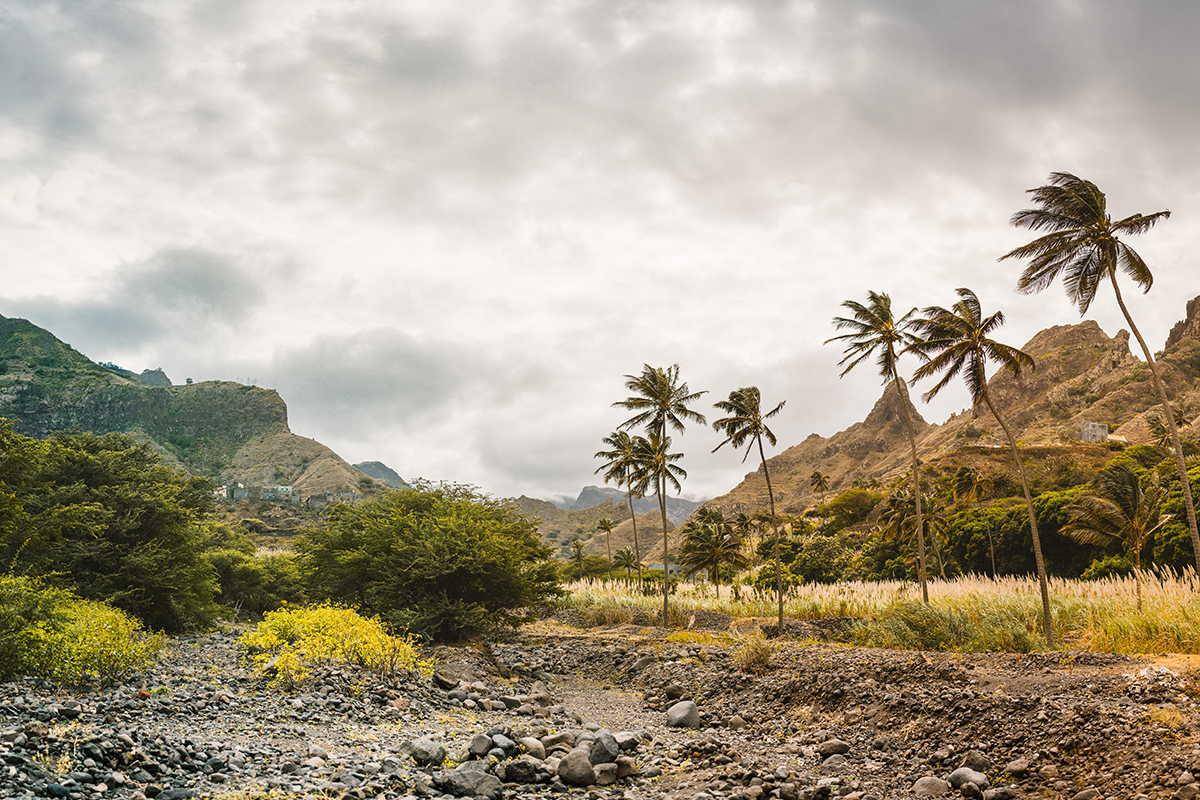 paisaje tropical en santo antao