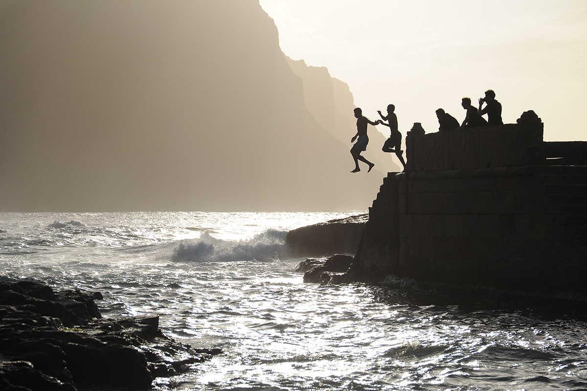 morabeza de barlovento ponta do sol gente saltando
